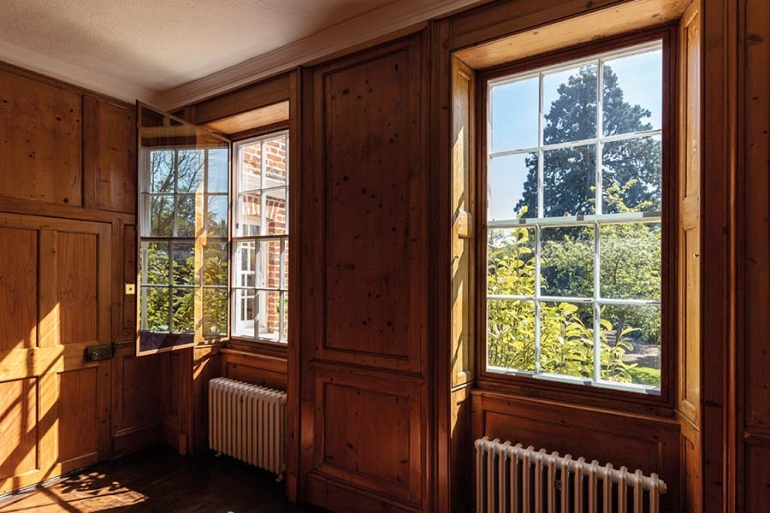 Designing secondary glazing for use  in Listed Buildings:  what to consider…