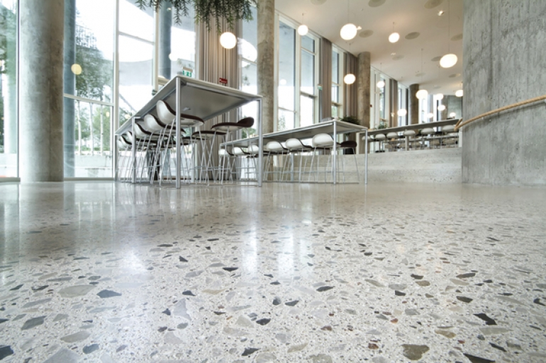 Flowcrete UK unveils new polished concrete floor – Monodec Grande Lux