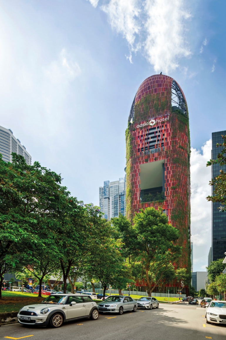An oasitic escape in Downtown Singapore