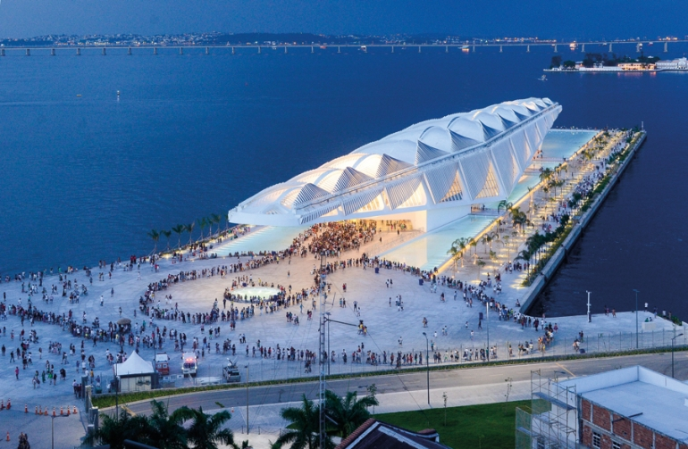 Santiago Calatrava-designed Museum of Tomorrow awarded accolade for green design
