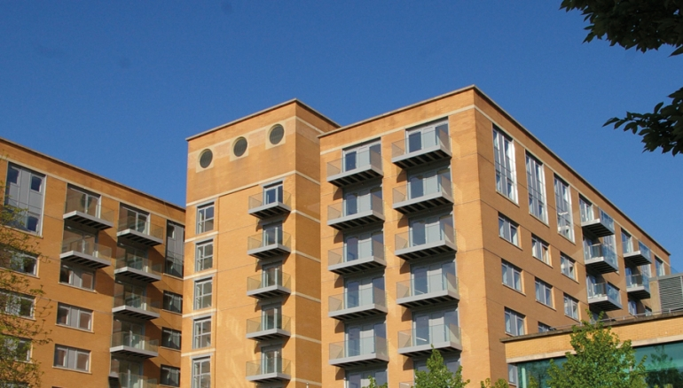 Thermally-efficient balconies for retrofit or renovation