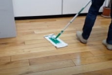 CLEANING HACK: How To Clean Your Wooden Floor